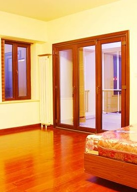 施工工艺   (1)平开木门窗:安装平开木门窗的安装