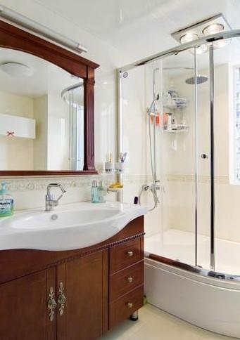 过去建房时除了抽水马桶下水设计有反水弯,卫生间和厨房地漏下水