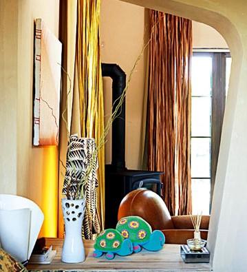 卧室是典型的美式风格,与建筑风格自成一体.